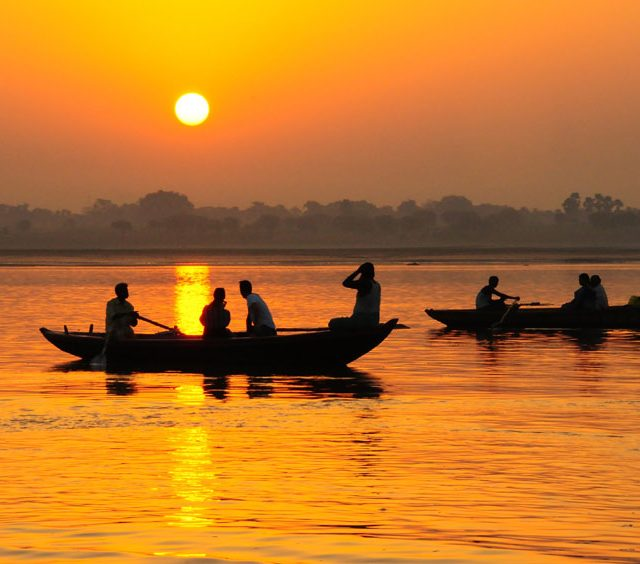 Holy ganges varanasi - north india temples tour